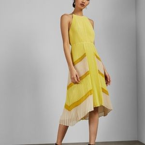 Ted Baker (Ted sz 2/US 6) chiffon pleated dress